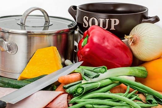 Reutilización de alimentos en la cocina para evitar el desperdicio alimentario